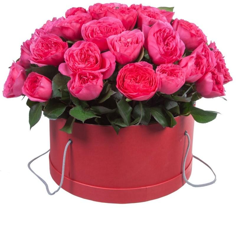 Композиция из роз в коробке